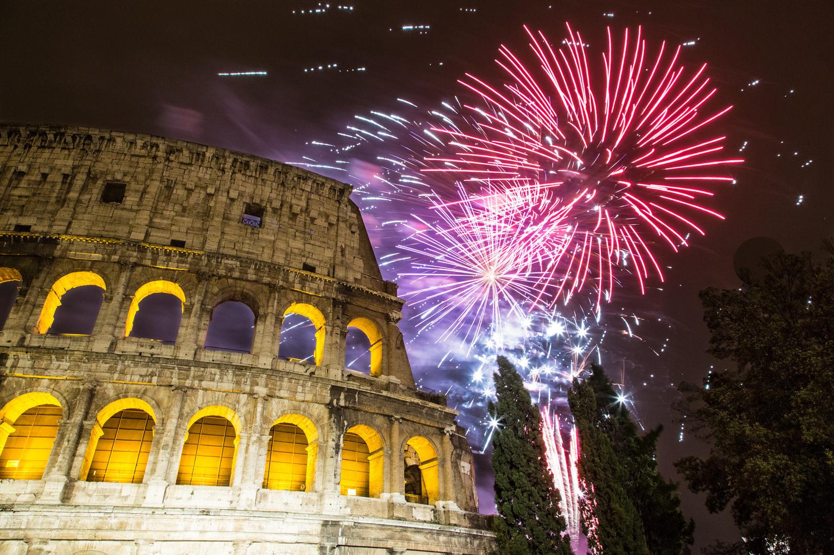 что говорить новый год в италии картинки открытка горящими свечами