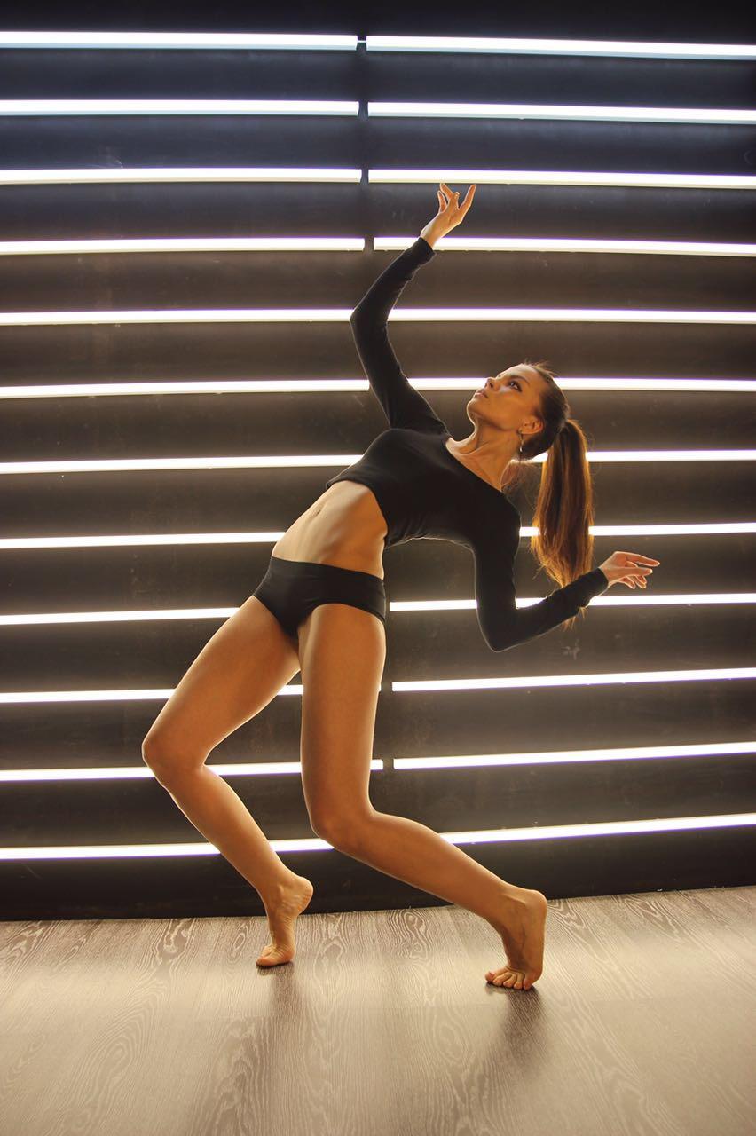 Сексапильная участница аргентинских танцев со звездами синтия фернандез видио