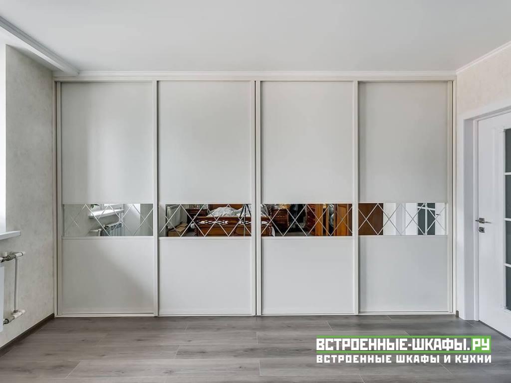 Встроенный шкаф купе во всю стену