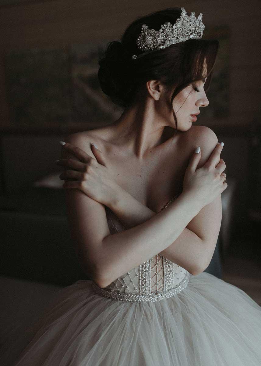 Свадебная прическа с короной для Маргариты
