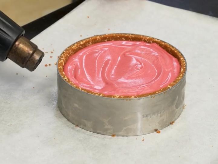Raspberry-Mojito cheesecake photo
