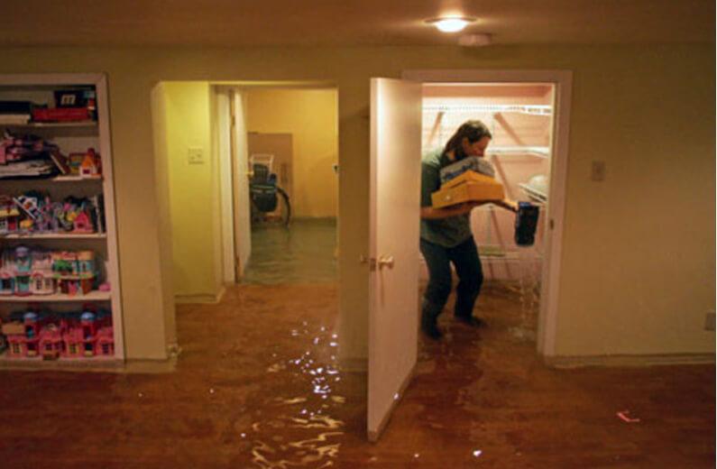 затопило квартиру по вине