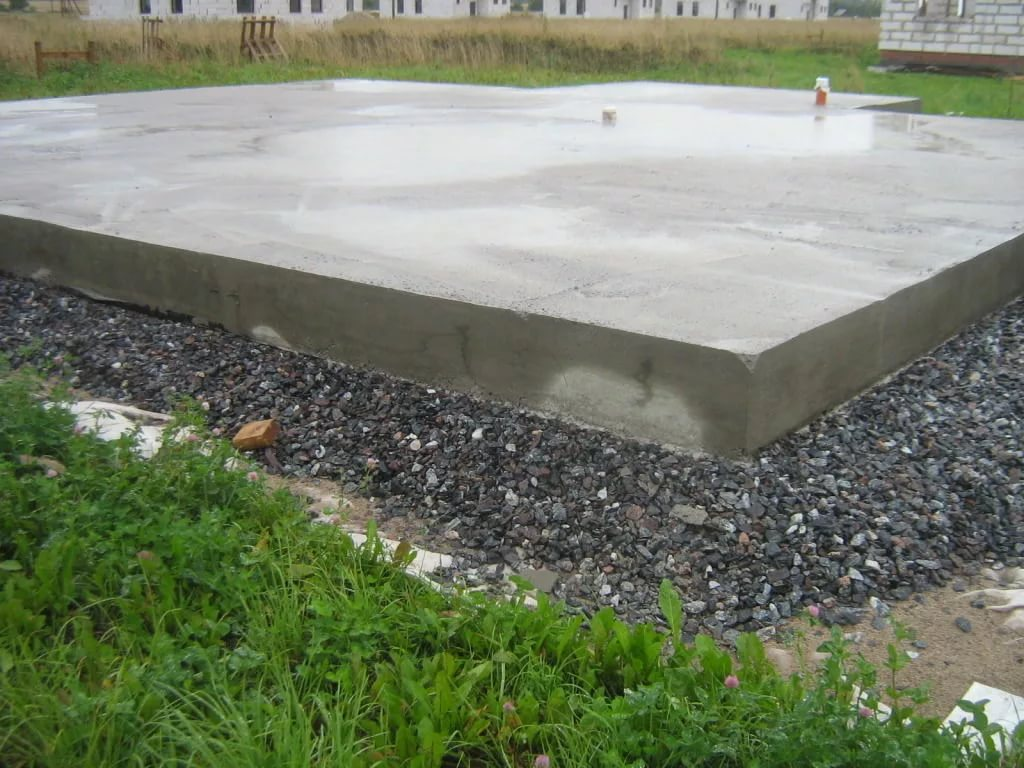 фото монолитной плиты фундамента