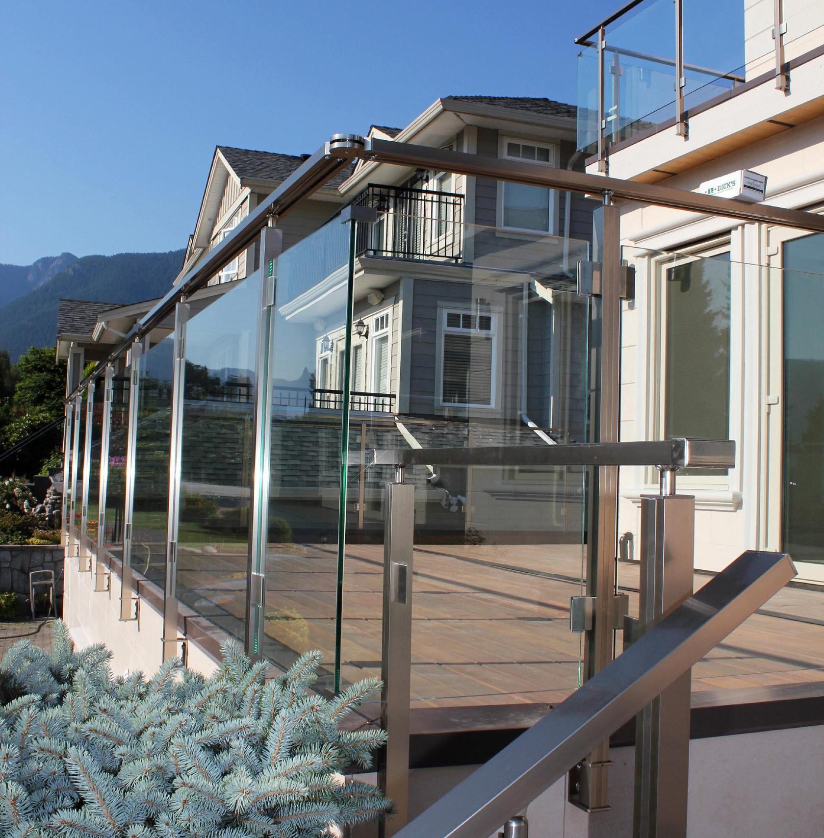 Архитектурные конструкции из алюминия, стекла и нержавеющей стали ООО Алюминика