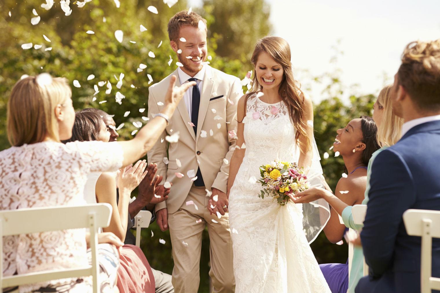 Этикет поздравления со свадьбой