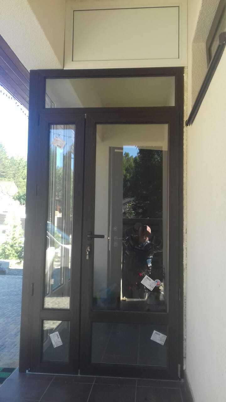 Экономичная дверь двустворчатая